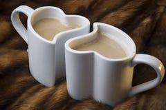 Deux cuvettes d'amour de café Images libres de droits