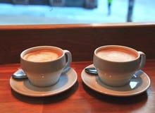Deux cuvettes de café Image stock