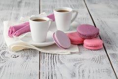 Deux cuvettes de café frais préparé de café express Photographie stock