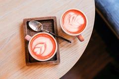 Deux cuvettes de cappuccino photographie stock