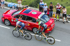 Deux cyclistes sur le col de Peyresourde - Tour de France 2014 Photographie stock