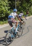 Deux cyclistes sur Mont Ventoux - Tour de France 2016 Photographie stock libre de droits