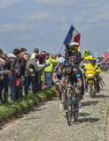 Deux cyclistes sur Paris Roubaix 2014 Photos stock