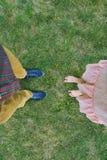 Deux dans l'herbe Images libres de droits
