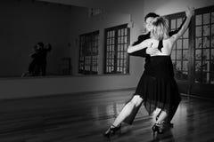 Deux danseurs de salle de bal Photo libre de droits