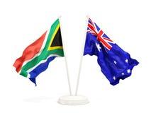 Deux drapeaux de ondulation de l'Afrique du Sud et de l'australie d'isolement sur le blanc illustration libre de droits