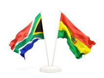 Deux drapeaux de ondulation de l'Afrique du Sud et de la Bolivie d'isolement sur le blanc illustration stock