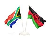 Deux drapeaux de ondulation de l'Afrique du Sud et du Malawi d'isolement sur le blanc illustration libre de droits