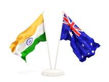 Deux drapeaux de ondulation de l'Inde et de l'australie d'isolement sur le blanc illustration libre de droits