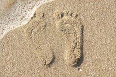 Deux empreintes de pas sur la plage photos libres de droits