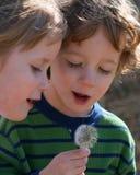 Deux enfants Photos libres de droits