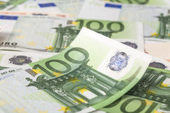 Deux euro notes avec la réflexion Photos libres de droits