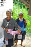Deux femmes de la tribu d'Akha Photo libre de droits