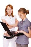 Deux filles avec le cahier Image stock
