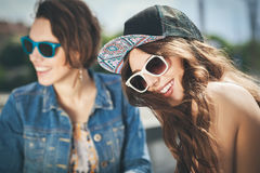 Deux filles belles et de sensualité Image stock