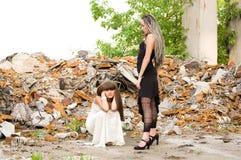 Deux filles de mode photo libre de droits