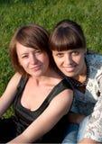 Deux filles de sourire Images stock