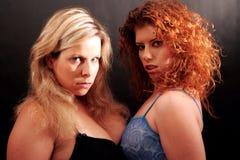 Deux filles pour la bataille images stock