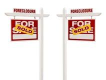 Deux forclusion vendue pour des signes de Real Estate de vente, chemin de coupure Photos libres de droits