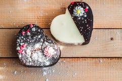 Deux gâteaux d'amour Image libre de droits