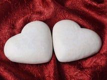 Deux gâteaux en forme de coeur de pain d'épice Image libre de droits