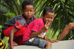 Deux garçons indigènes, Malaisie Image stock