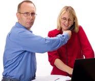 Deux gens d'affaires de travailler Photographie stock libre de droits