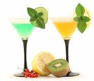 Deux glaces avec des cocktails. Photo stock