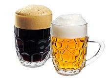 Deux glaces de bière Images stock