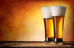 Deux glaces de bière Photos libres de droits