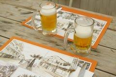 Deux glaces de bière Images libres de droits