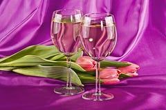Deux glaces de vin blanc Image stock