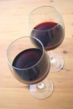 Deux glaces de vin rouge Photo libre de droits