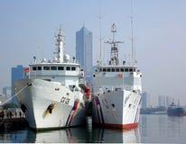 Deux grands navires de garde-côte Image libre de droits