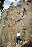 Deux grimpeurs Photos libres de droits
