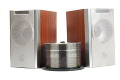 Deux haut-parleurs en bois de musique d'isolement Photo stock