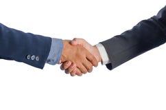 Deux hommes d'affaires asiatiques se serrent la main Photos libres de droits
