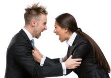 Deux hommes d'affaires discussion et combat photos stock