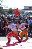 Deux hommes dans le costume avec des épées photos libres de droits