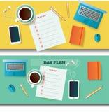 Deux illustrations de table avec le jour prévoient les objets vides et différents Photographie stock
