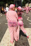 Deux jeunes femmes de couleur au carnaval de Nottinghill Image libre de droits