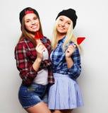 deux jeunes jolies filles de hippie Photos stock