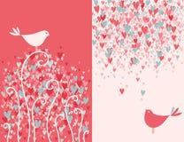 Deux jolis oiseaux d'amour. Images stock