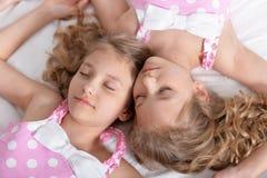 Deux jumelles de soeurs Photos stock