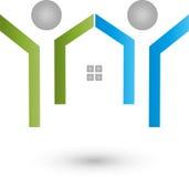 Deux logos de personnes et de maison, de famille et d'immobiliers