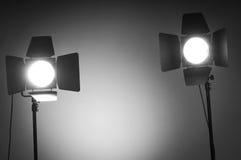 Deux lumières de trappe de grange dans le studio Photos stock
