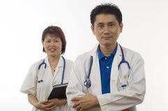 Deux médecins amicaux Photo stock