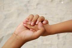 Deux mains images stock