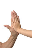 Deux mains donnant chacun Images stock