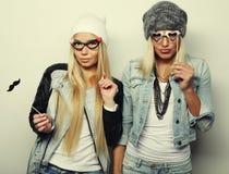 Deux meilleurs amis sexy élégants de filles prêts pour la partie Photographie stock